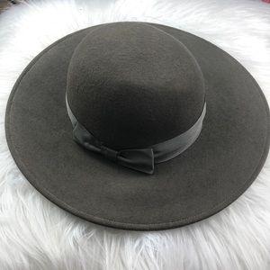 Euc Vintage grey 💯 wool hat